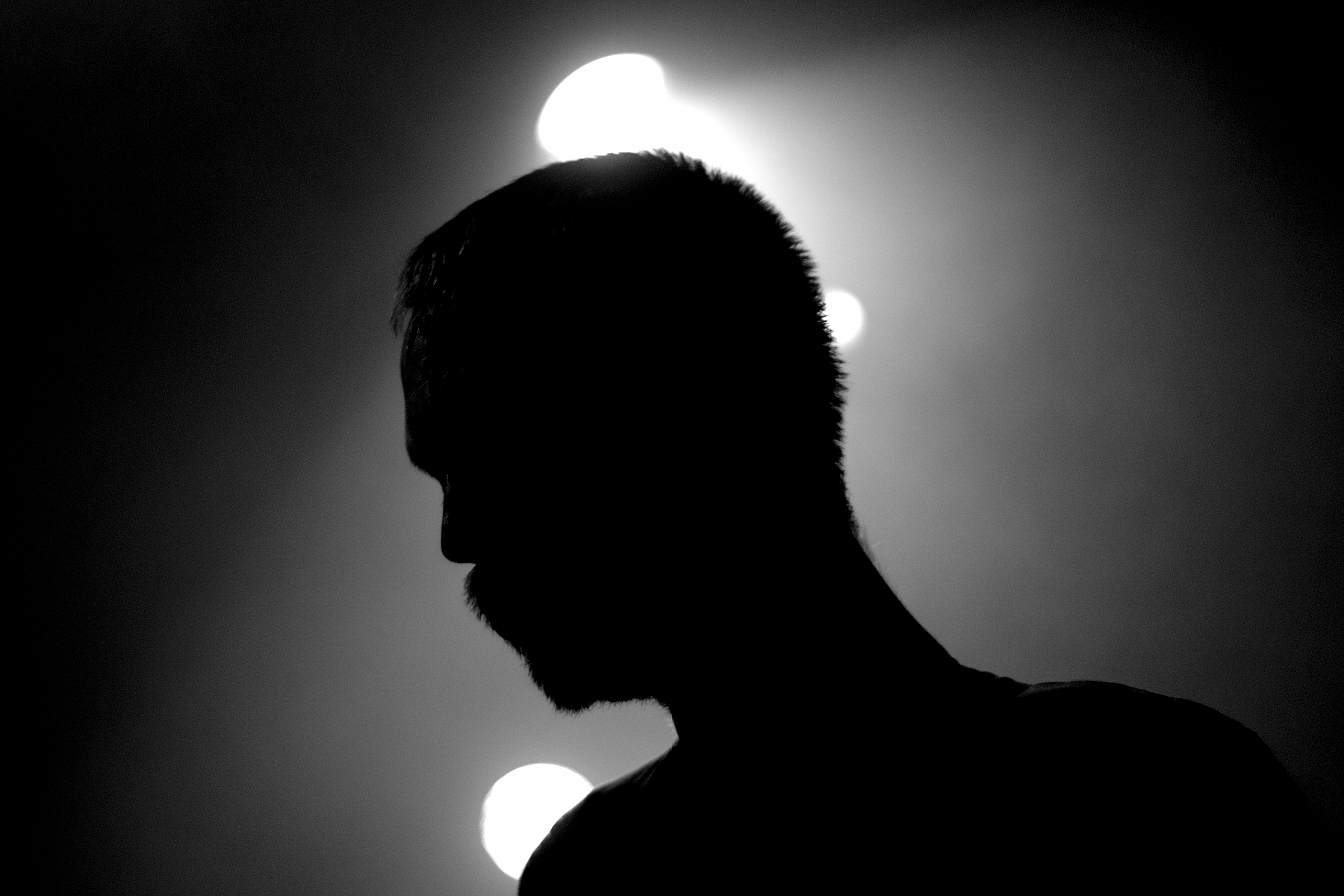 Simon Wright, Back Light, Silhouette, B&W, 65daysofstatic, La Maroquinerie, Paris