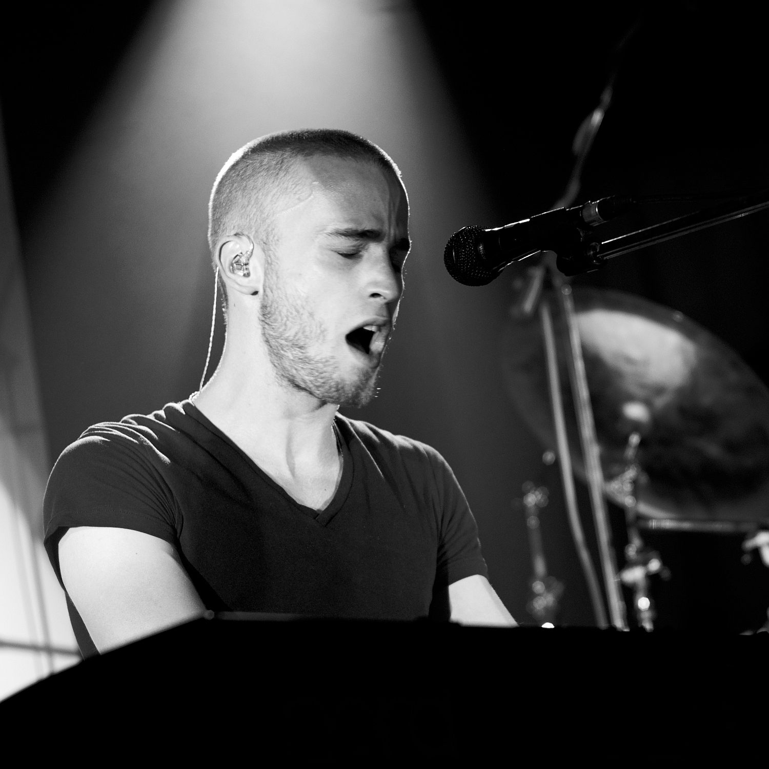 Romain Thorel, Keyboard, B&W, Lazuli, Lydney Town Hall, Lydney